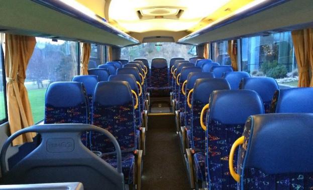 Парламентът: Автобусите да бъдат оборудвани с колани за пътниците