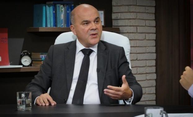 Бисер Петков: Всеки министър носи оставката в джоба си