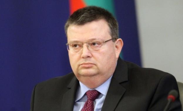 Цацаров се споразумя с Европейската инвестиционна банка за обмен на информация