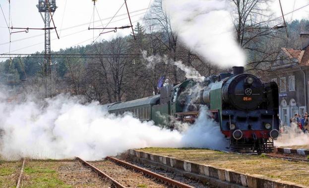 Атракционен влак по повод 130 години от създаването на БДЖ ще пътува между София и Плевен