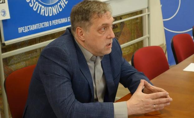 Никита Висоцки: Баща ми видя стиховете си напечатани на български, но не и на руски