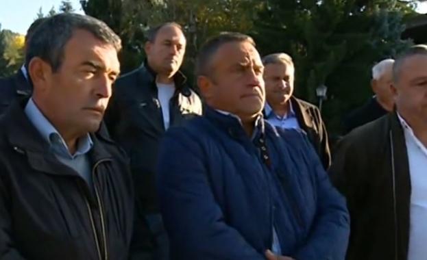 Протестът на кметовете се отменя, Борисов ще се срещне с тях в понеделник