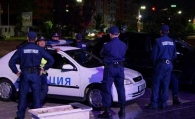 Млад мъж рани 3 жени и дете в София и се барикадира в дома си