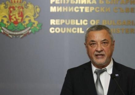 """Валери Симеонов призова да не се провеждат контрапротести и опередели протеста като """"Тюрлюгювеч"""""""
