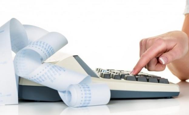Снимка: Счетоводители и търговци вече с дистанционна връзка с касовите апарати