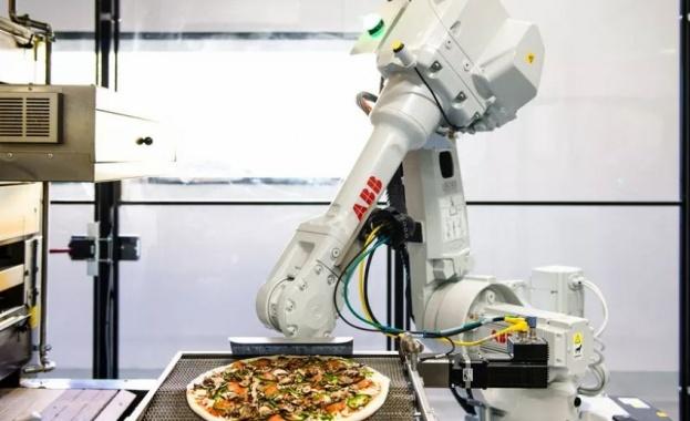 Робот, който прави пица, получи финансиране от $375 млн.