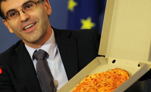 """От някогашната """"постна пица"""" няма и коричка. Бюджетът сега: """"Тлъста лазаня"""""""