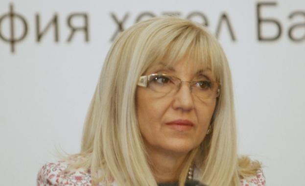 Министър Петя Аврамова: Тол системата ще заработи в цялост на 16 август