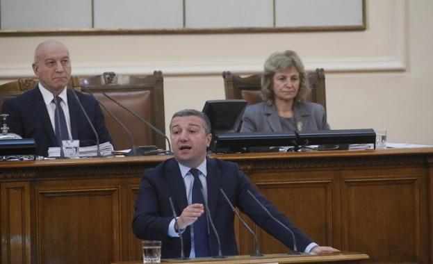 Стойнев: Подкрепяме намаляване на субсидията, но да не застрашава функционирането на партиите