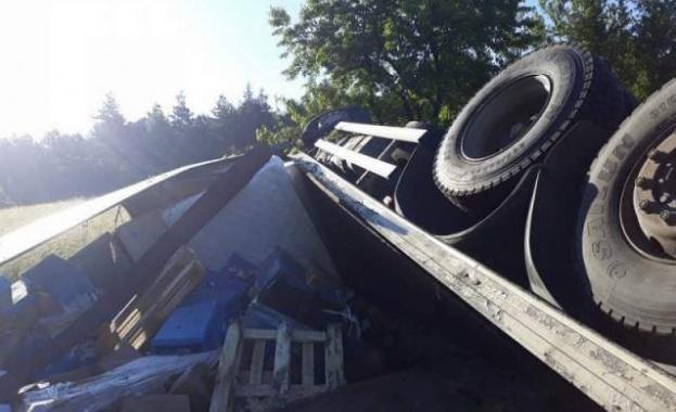 Проходът на Републиката е временно е затворен за товарни автомобили