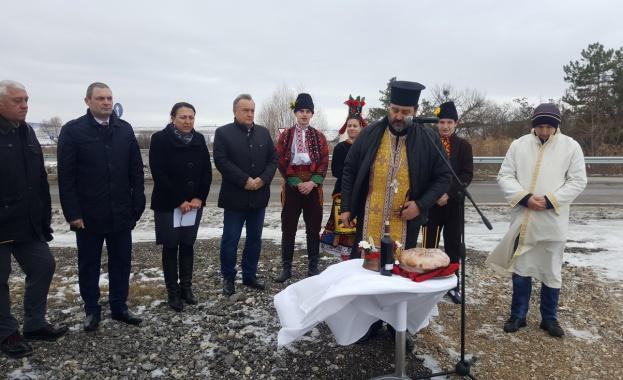 Завърши рехабилитацията на още 21 км от от пътя Търговище – Разград