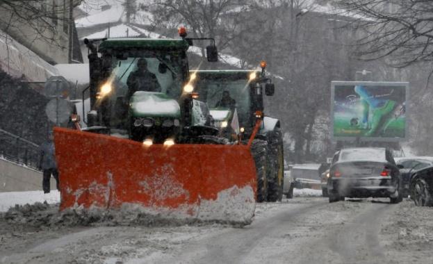 Министър Аврамова: 25% от Републиканската пътна мрежа е в лошо състояние