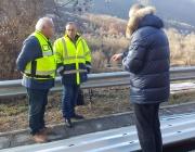 Монтират нови мантинели на пътя Своге-София