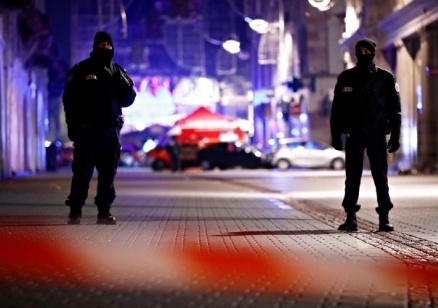 Издирват 29-годишния Шериф Шекат за терористичния атентат в Страсбург