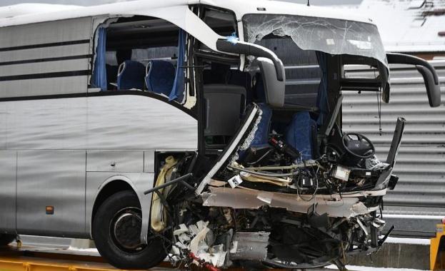Автобус се е сблъскал с камион в района на Ярославска