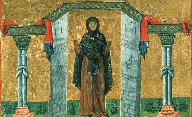 Преподобна Макрина била най-голямата дъщеря на своите благочестиви родители Василий