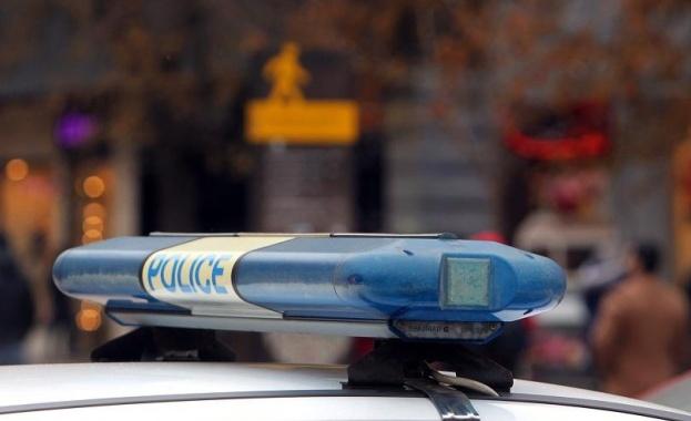 Шофьор се блъсна в стълб, остави 200 души без ток