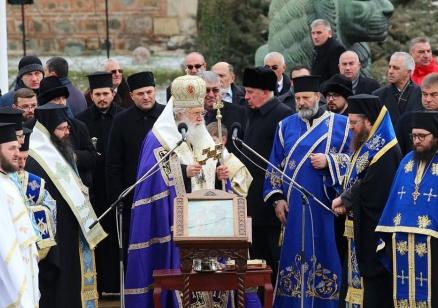 Патриарх Неофит оглави Света Божествена литургия за Цветница