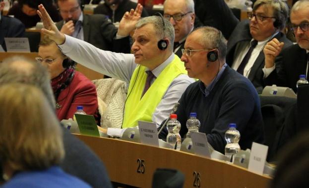 """Българските евродепутати за пакета """"Макрон"""": Показахме, че съединението прави силата"""