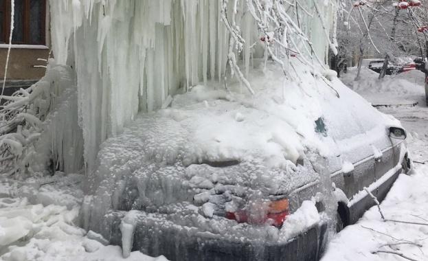 Необичаен студ скова Русия