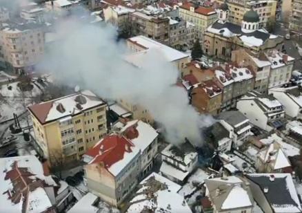 Призиви във Фейсбук за помощ на пострадалите семейства след пожара в Габрово (Обновена)