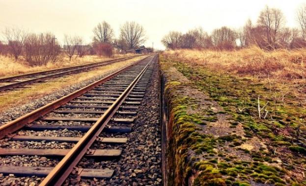 Възстановено е движението на влаковете край Лакатник. Това съобщиха за
