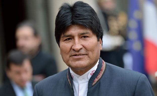 Мексиканските власти решиха да предоставят убежище на бившия президент на