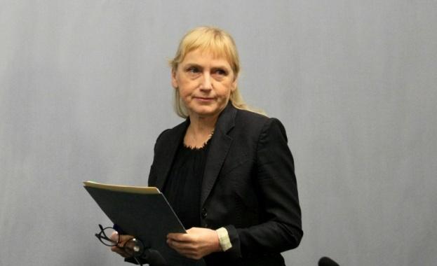 Елена Йончева в Хасково: Към управляващите се присъедини и ДПС