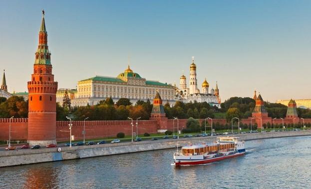 Евакуираха над 50 000 души в Москва заради фалшиви сигнали за бомба