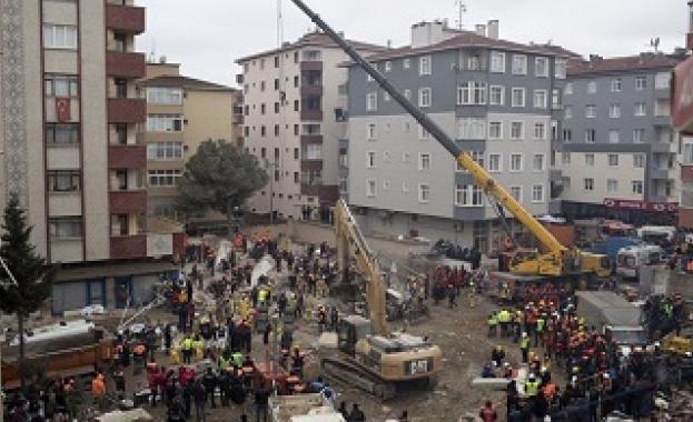 Събарят 8 блока в Истанбул