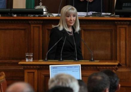 Министър Аврамова: Ако БСП разполага с информация за изнудване за ТОЛ системата, да сезира контролните органи