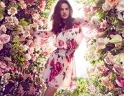 Алесандра Амброзио и флоралната тенденция