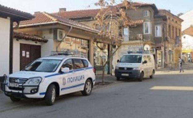 Най-малко 10 са задържаните при акцията на МВР във Ветово