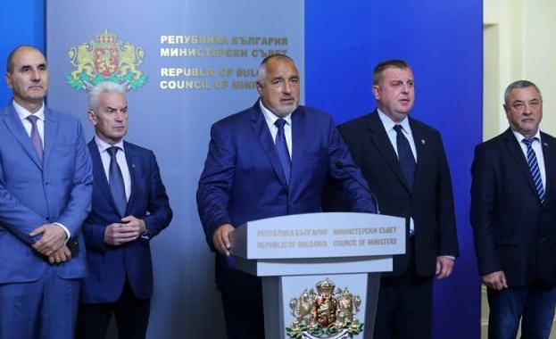Коалиционните партньори обсъждат на съвет кворума в НС