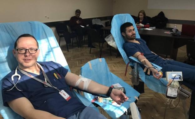 Депутати и служители в Народното събрание ще даряват безвъзмездно кръв,