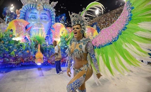 Трескава подготовка за карнавала в Рио де Жанейро