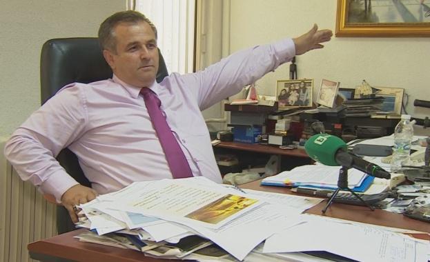Кметът на Созопол Панайот Рейзи –  лицето на повсеместния разпад