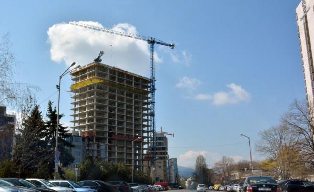 """Връчена е заповедта за спиране на строежа """"Златен век"""" в столицата"""