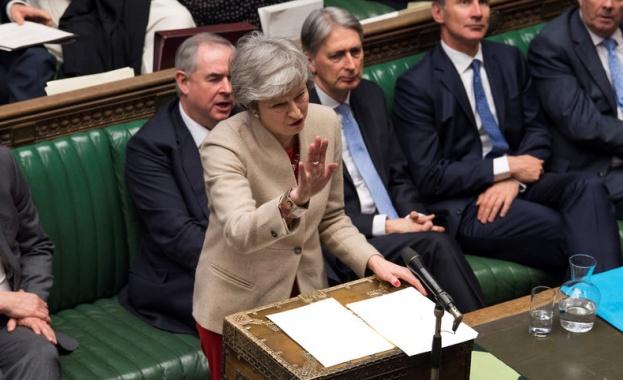 Британското правителство продължава подготовката за Брекзит без сделка