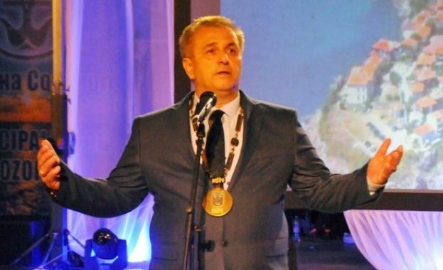 Наскоро кметът на Созопол беше обвинен в присвояване на над