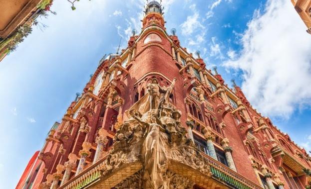 Дворецът на каталунската музика /Palau de la música catalana/ е