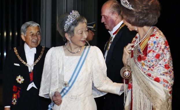 Снимка: Император Акихито и императрица Мичико празнуват 60-годишнина от сватбата