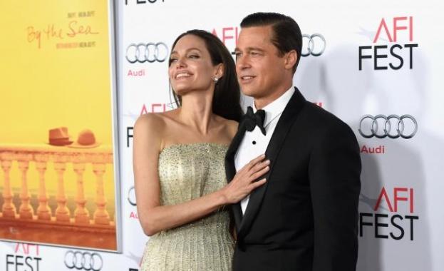Снимка: The Sun: Анджелина Джоли иска да си върне Брад Пит