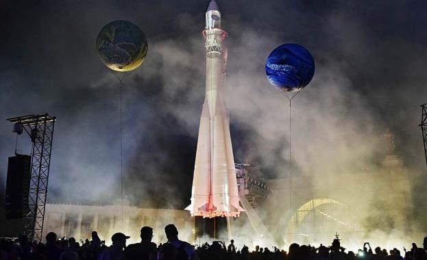 """""""Роскосмос"""" ще изпраща надарени руснаци на безплатна екскурзия в космоса"""