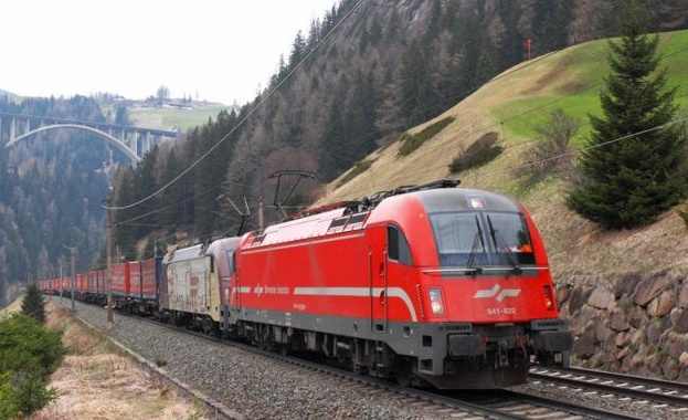 Отвориха офертите за модернизацията на жп линията до Северна Македония
