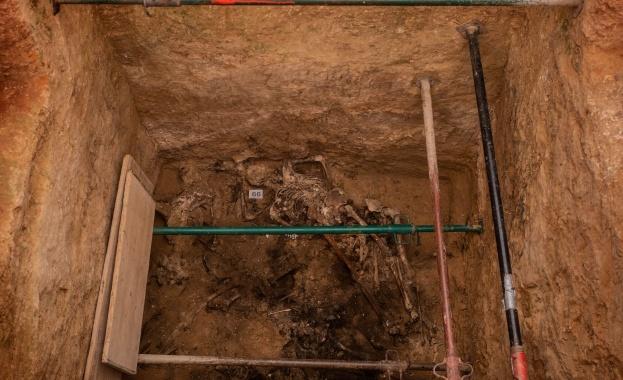 Археолози откриха 26 човешки скелета на около 3000 години в