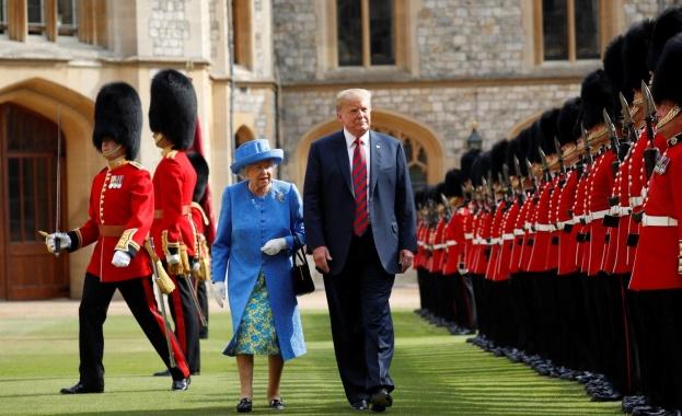 Снимка: Кралица Елизабет Втора посреща Доналд Тръмп в началото на юни
