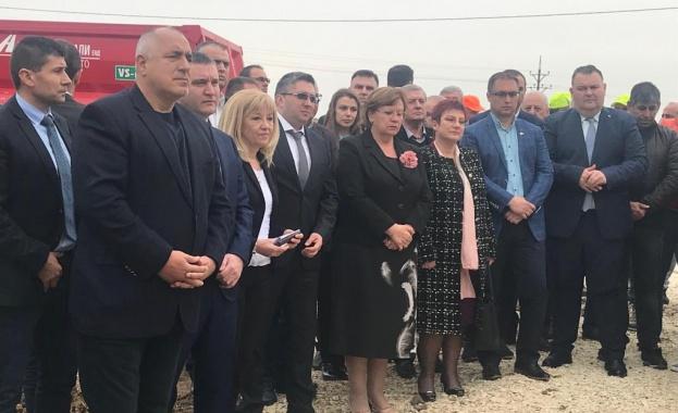 """Снимка: Започна поетапното строителство на АМ """"Хемус"""" между Боаза и пътя Русе - Велико Търново"""
