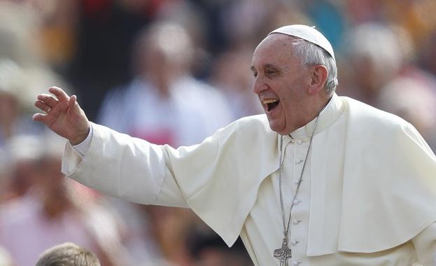 Негово Светейшество папа Франциск ще пристигне на 5 май в
