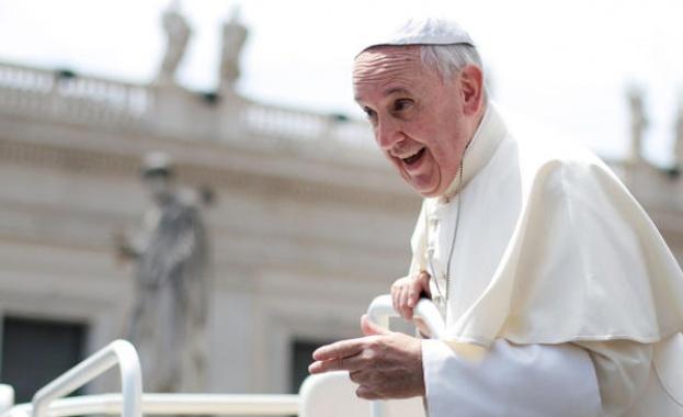 Посещението на папа Франциск у нас е чисто политически акт.
